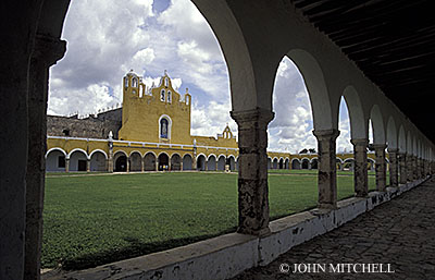 The Convento de San Antonio de Padua in the Spanish colonial town of Izamal, Yucatan, Mexico. Click on photo for more information.