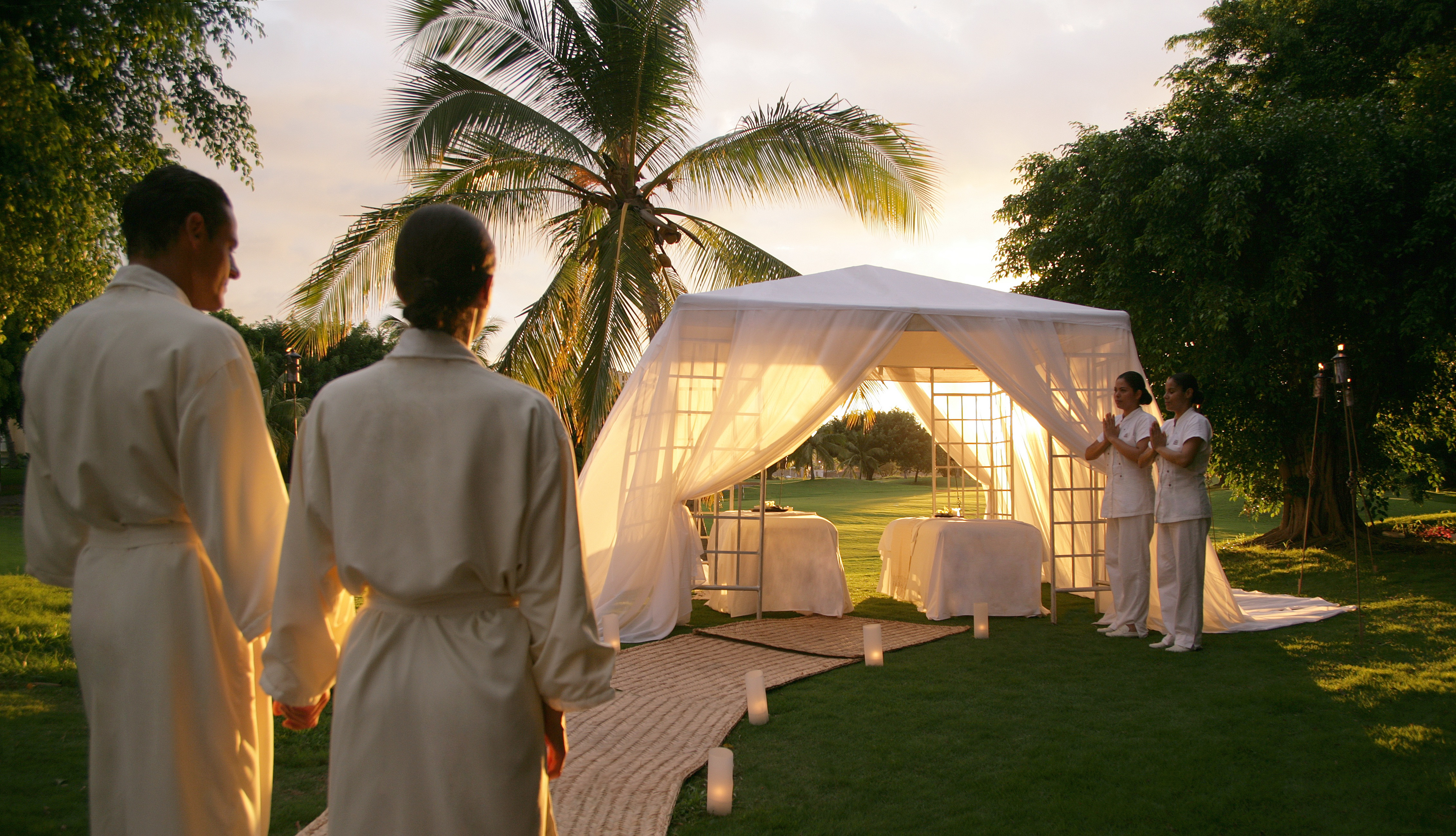 Summer spa package offered at casa velas boutique hotel in for Spa weekend getaways for couples