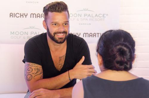 PALACE RESORTS RICKY MARTIN